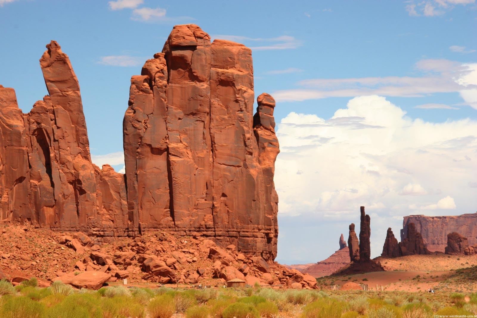 Monument Valley Hogan Tour